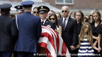 Джо Байден на похоронах сына Бо, 6 июня 2015 года