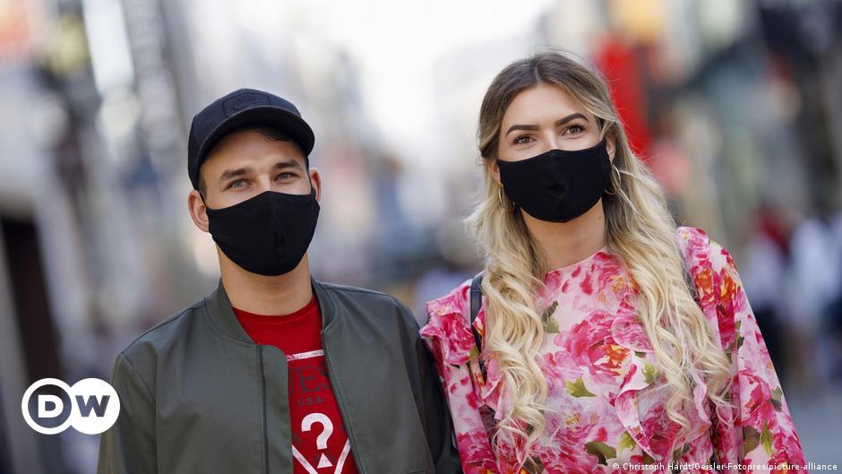 Coronavirus: Will Germany go into lockdown?
