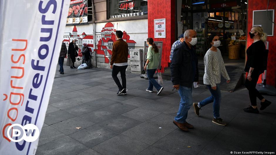 Boycott call tests France-Turkey trade relations