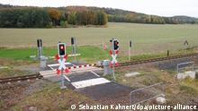 A pedestrian railroad crossing leading to nowhere near Kamenz, Germany