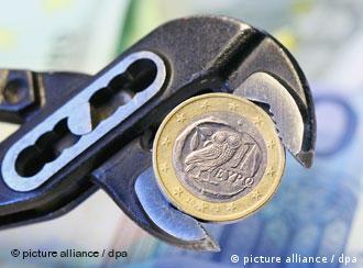 یورو لای منگنه: روند کاهش ارزش یورو در برابر دلار و ین ادامه دارد
