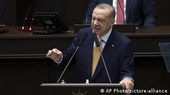 «Ίσως ο Ερντογάν προσπαθήσει να βελτιώσει τις σχέσεις με τη Δύση, την Ευρώπη και τις ΗΠΑ»