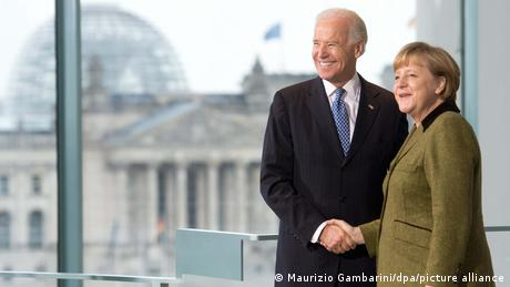 Cancelara Angela Merkel și Joe Biden la Berlin (în 2013)
