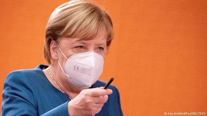 Berlin Merkel bei Kabinettsitzung