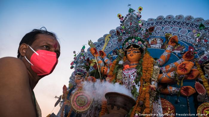 Indien Coronavirus Vijayadashami 2020 (Soumyabrata Roy/Pacific Press/picture alliance)