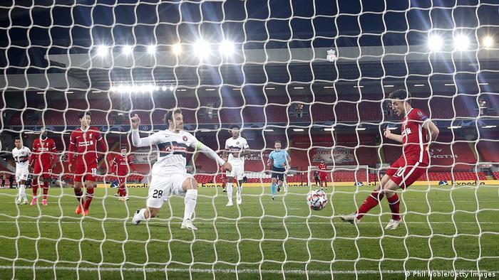 يعاني نادي ليفربول من نقص في لاعبيه الأساسيين بسبب الإصابات