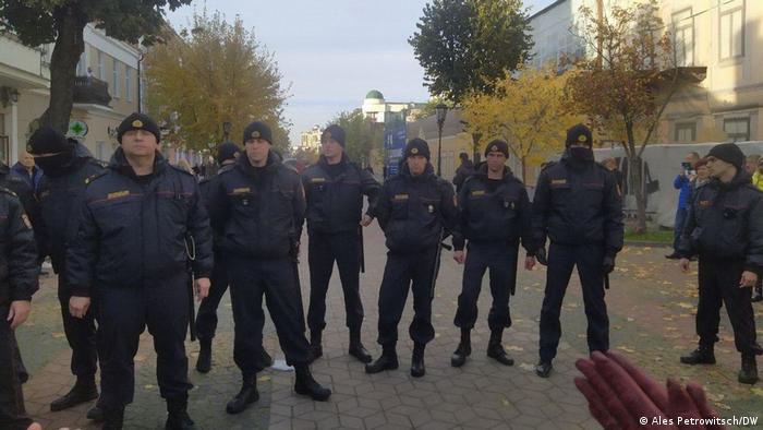 Милиция во время акции протеста в Бресте