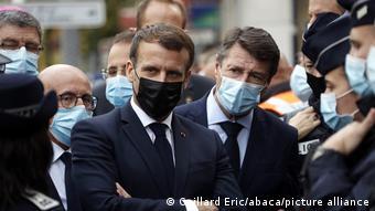Rais Emmanuel Macron wa Ufaransa alizuru eneo la tukio mjini Nice.