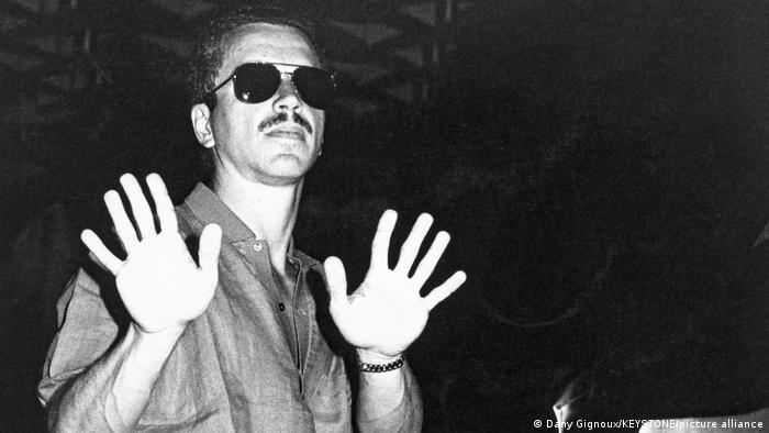 Keith Jarrett mit einer abwehrenden Geste