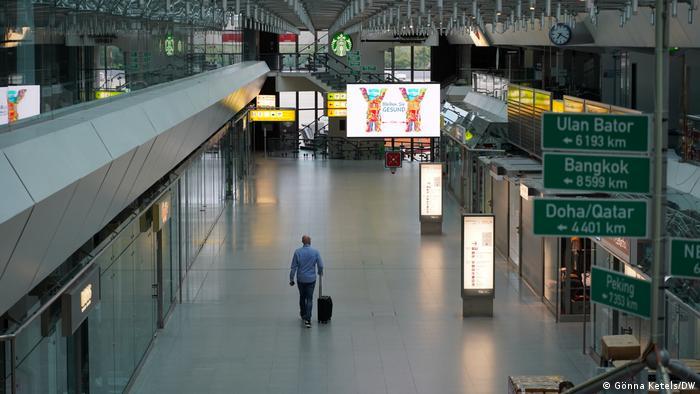 Deutschland Berlin Flughafen Tegel  Architekten Meinhard von Gerkan & Volkwin Marg