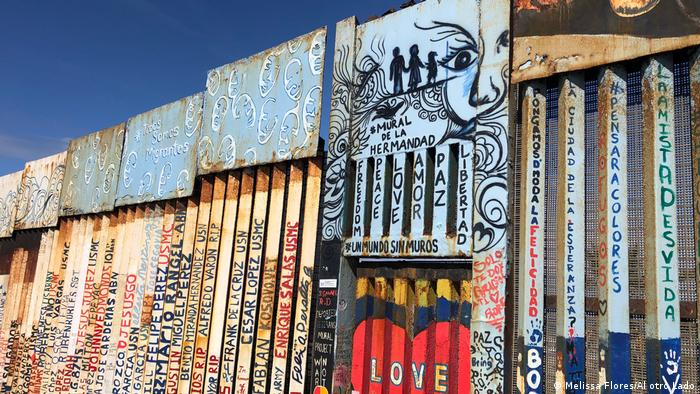 Friendship Park heißt dieser Bereich der Grenzmauer in Tijuana – viele Flüchtlinge haben sich hier verewigt