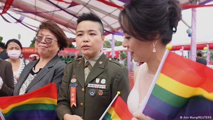 Taiwan Taoyuan | LGBT Militär Massenhocheit