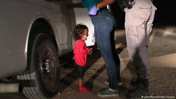Grenze USA Mexiko | Migranten aus Honduras werden an der Grenze festgenommen