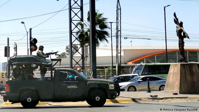 Mexiko | Militärfahrzeug in Celaya