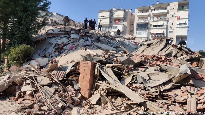Edificios derrumbados por el terremoto en Izmir, Turquía. (30.10.2020).