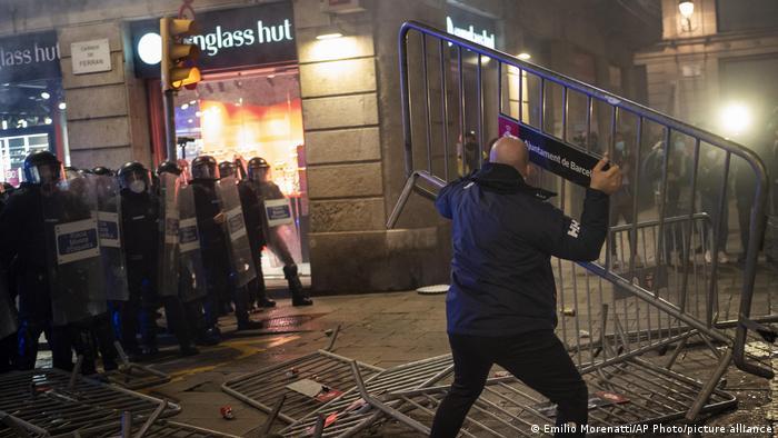 Сутички з поліцією у Барселоні