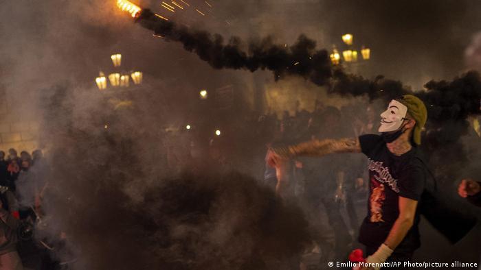 Протестувальник у Барселоні