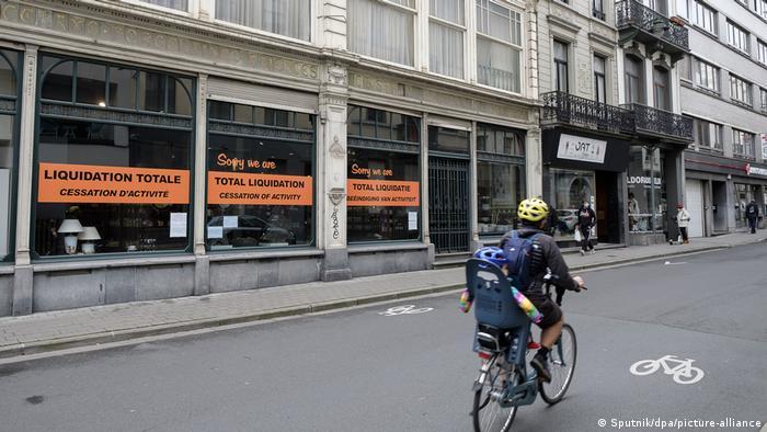 Belgien Coronavirus - geschlossener Laden in Brüssel
