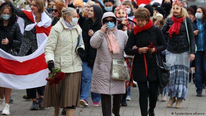 Жительницы Минска на акции протеста, 31 октября