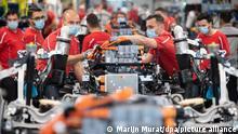 Deutschland Coronavirus - Porsche Produktion