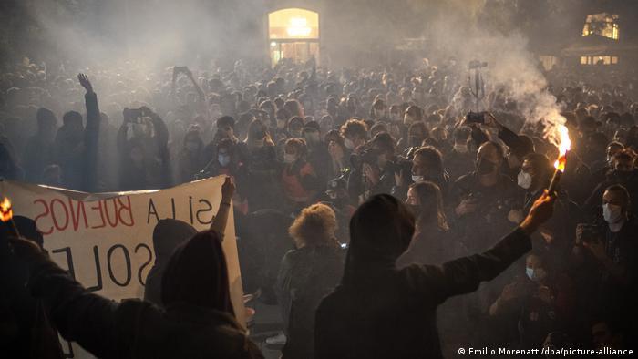 Spanien Barcelona | Coronavirus | Protest & Ausschreitungen