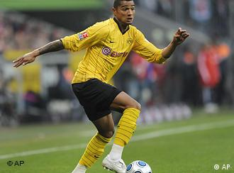 Dortmund player Kevin Prince Boateng plays the ball during the German first soccer Bundesliga match between FC Bayern Munich and Borussia Dortmund in the stadium in Munich, southern Germany, on Sunday, Feb. 8, 2009. (AP Photo/Christof Stache) *** Eds note: spelling Munich is Muenchen ***