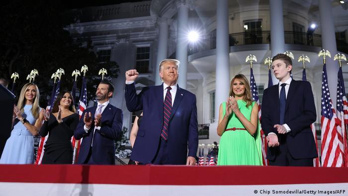 ترامب مع أفراد من عائلته بعد إعلان ترشحه في أغسطس/ آب 2020