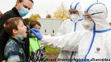 Deutschland Corona-Pandemie | Gesundheitsamt testet