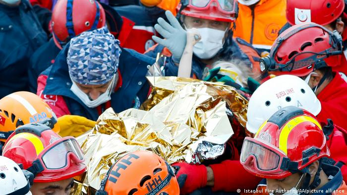 Elif is rescued from the rubble in Izmir