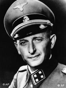 Foto von Adolf Eichmann in SS-Uniform (Foto: AP)