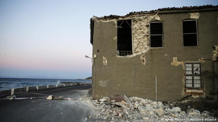 Разрушения от земетресение през ноември 2020 година по гръцките егейски острови