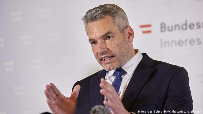 Österreich Anschlag in Wien - PK Karl Nehammer (Georges Schneider/Xinhua/picture alliance)