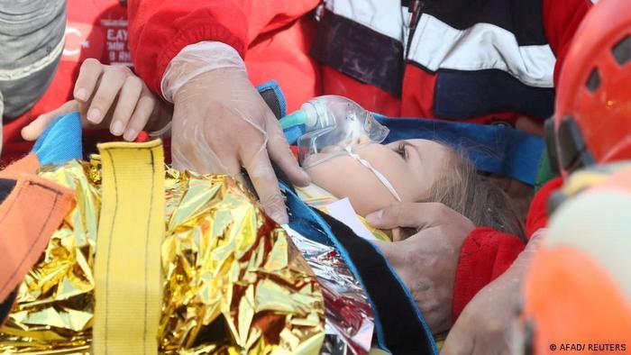 90 годин після землетрусу: трирічна дівчинка вижила