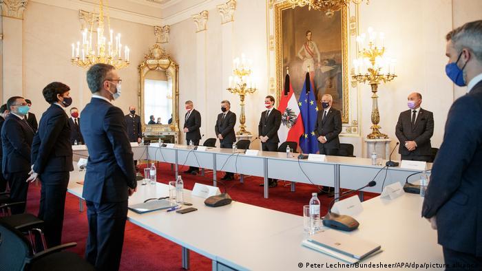 Minut ćutanja za žrtve napada na sednici vlade Austrije
