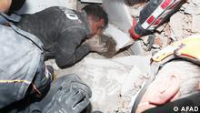 Türkei Izmir | Erdbeben 4-Jährige aus Trümmern gerettet
