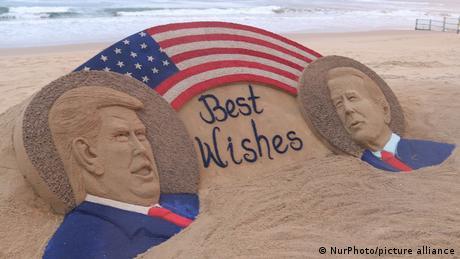 Indien | US-Wahl 2020 | Sandskuptur Trump & Biden