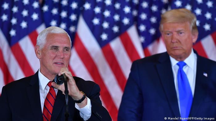 Vice-presidente dos Estados Unidos Mike Pence, ao lado de Donald Trump