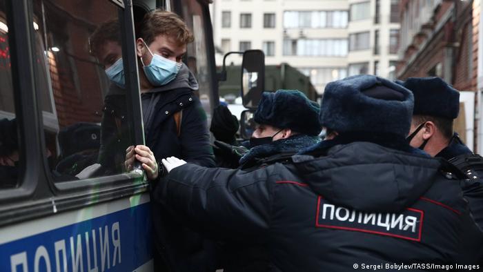 Задержания демонстрантов в Москве