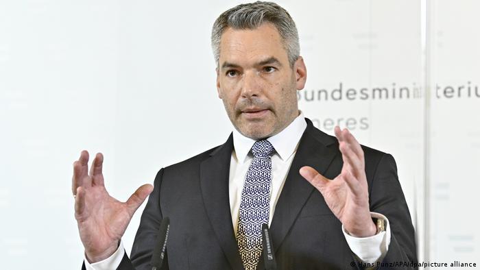 Österreich | Nach dem Terrorangriff in Wien | Karl Nehammer, Innenminister (Hans Punz/APA/dpa/picture alliance)