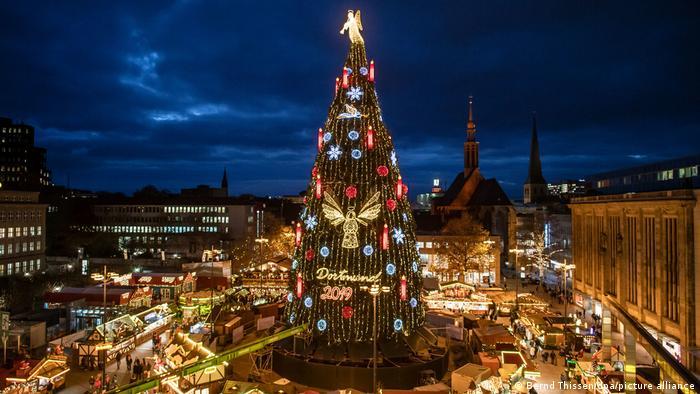 45-метровая рождественская елка в Дортмунде в 2019 году