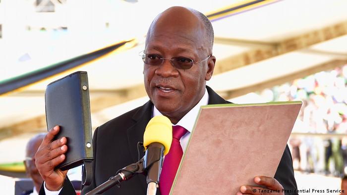الرئيس التنزاني جون ماغوفولي لدى أدائه اليمين الدستورية (5/11/2020)