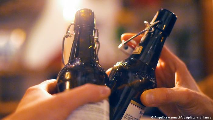 Deutschland Symbolbild Alkoholismus