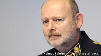Отстраненный от службы глава ведомства по охране конституции Австрии Эрих Цветтлер