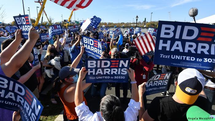 US-Wahl 2020 | Unterstützer von Joe Biden feiern (Angela Weiss/AFP)