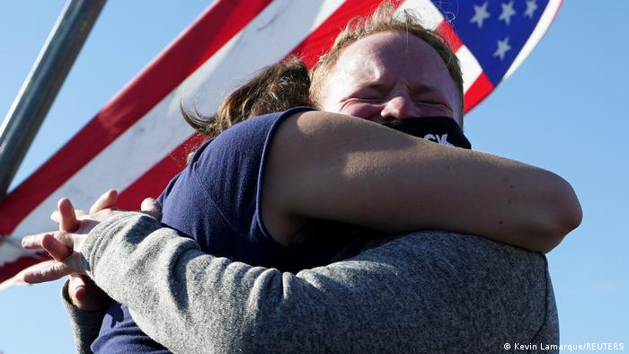 US-Wahl 2020 | Unterstützer von Joe Biden feiern (Kevin Lamarque/REUTERS)