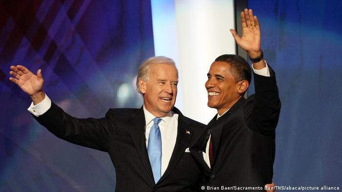 اوت ۲۰۰۸: باراک اوباما در کنار بایدن، منتخب او برای پست معاونت