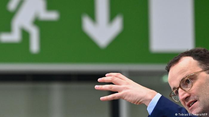 Berlin Minister Spahn zu Impfstrategie