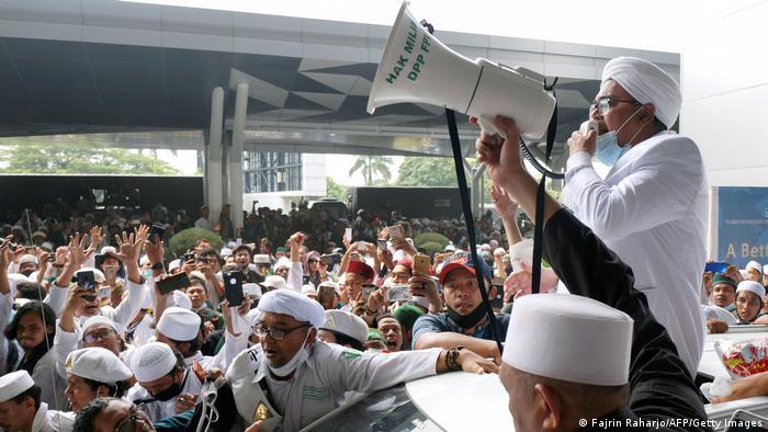 Foto kedatangan Rizieq Shihab di Indonesia, 10 November 2020.