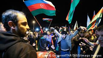 Αζέροι πανηγυρίζουν για την προέλαση στο Ναγκόρνο Καραμπάχ