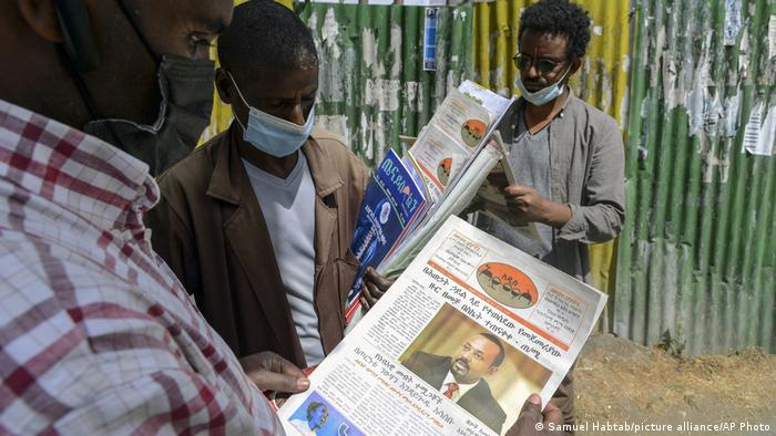 Deadly clashes between regional and federal government forces are fueling fears Ethiopia is sliding into civil war